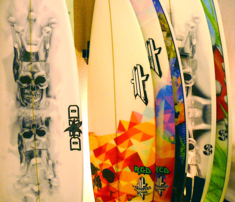 Comment imprimer une photo ou un dessin sur sa planche de for Deco planche de surf