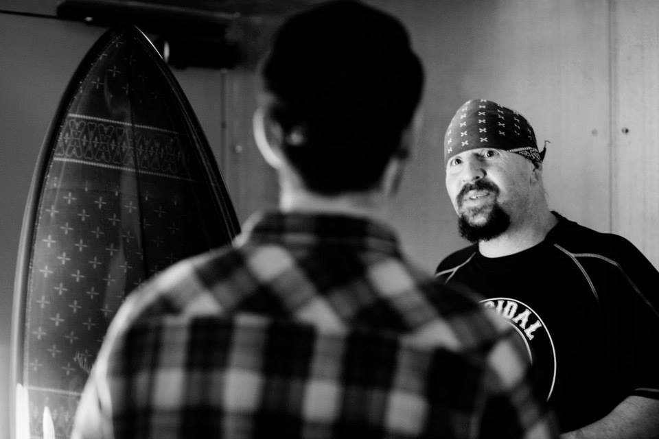 Mike Muir et la board Suicidal Tendencies